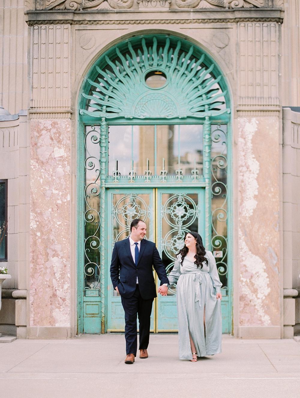 kristin-la-voie-photography-chicago-wedding-photographer-loyola-engagement-22