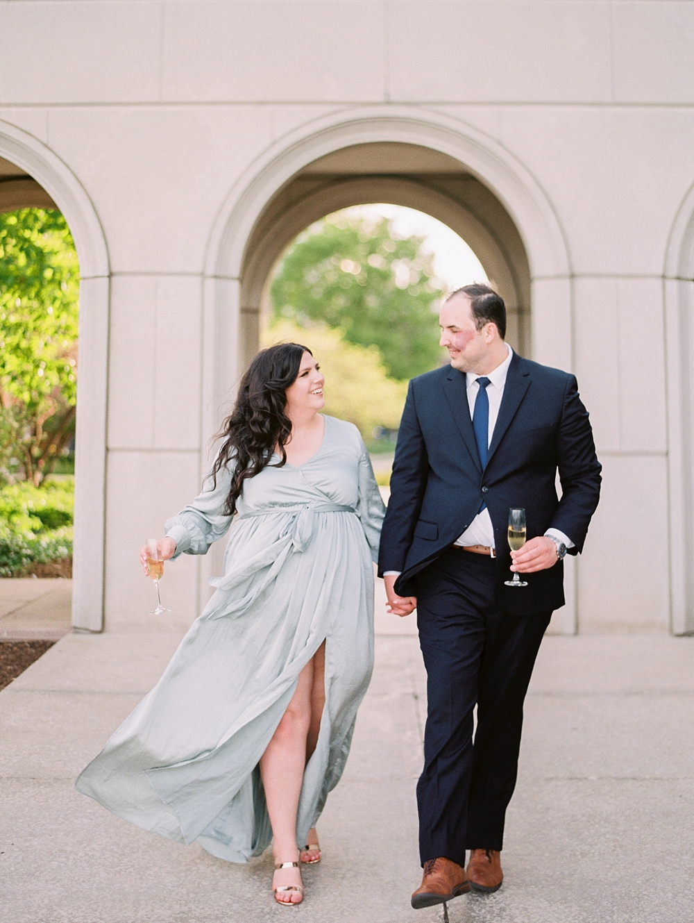 kristin-la-voie-photography-chicago-wedding-photographer-loyola-engagement-23