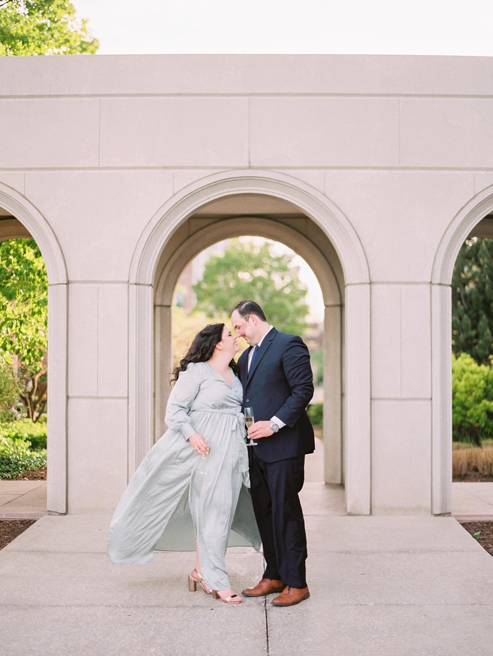 kristin-la-voie-photography-chicago-wedding-photographer-loyola-engagement-24