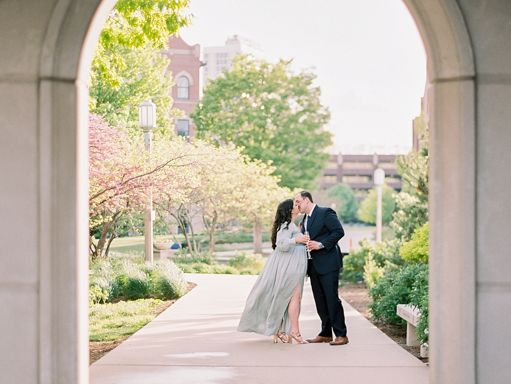 kristin-la-voie-photography-chicago-wedding-photographer-loyola-engagement-4