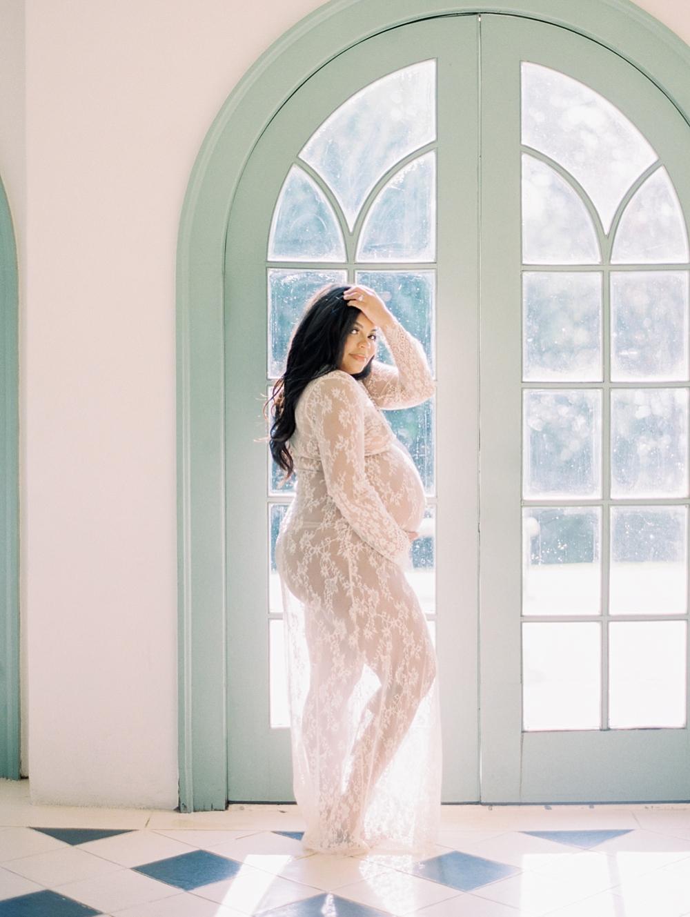 kristin-la-voie-photography-Maternity-Laguna-Gloria-Austin-Photographer-19