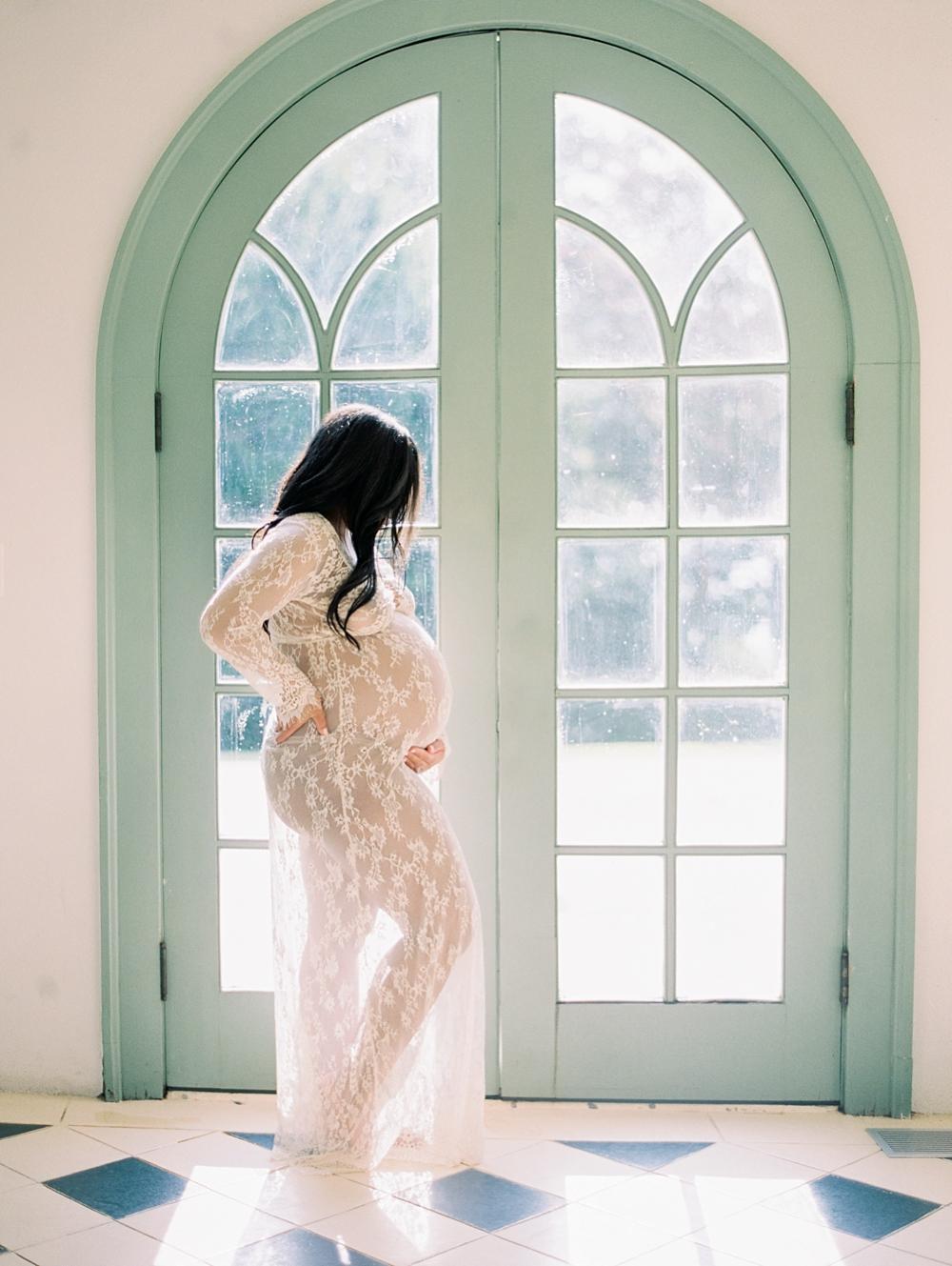 kristin-la-voie-photography-Maternity-Laguna-Gloria-Austin-Photographer-61