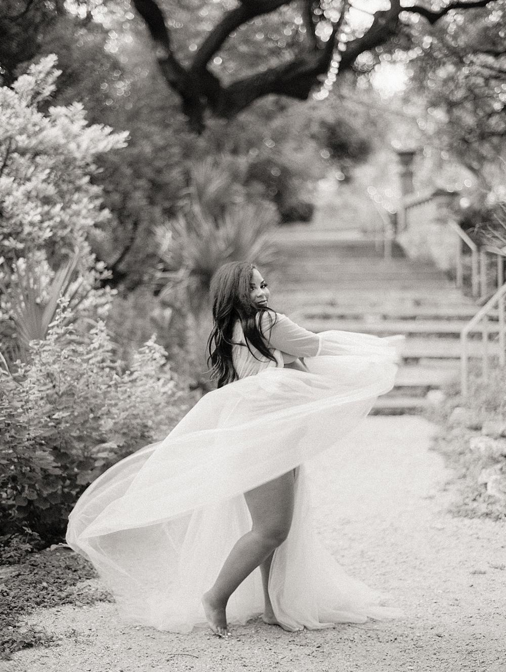 kristin-la-voie-photography-Maternity-Laguna-Gloria-Austin-Photographer-65