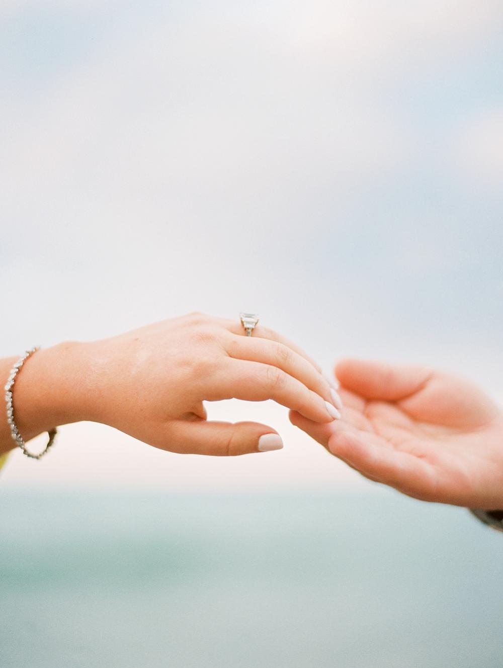 kristin-la-voie-photography-Chicago-Engagement-glencoe-beach-lake-michigan-113