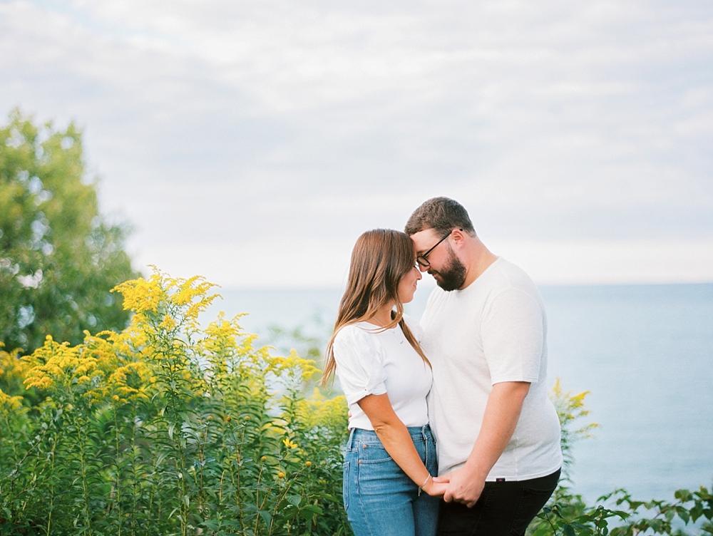 kristin-la-voie-photography-Chicago-Engagement-glencoe-beach-lake-michigan-34