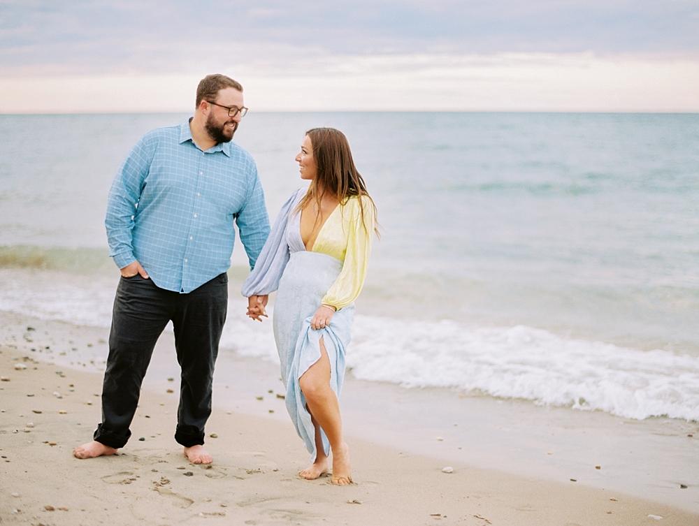 kristin-la-voie-photography-Chicago-Engagement-glencoe-beach-lake-michigan-7