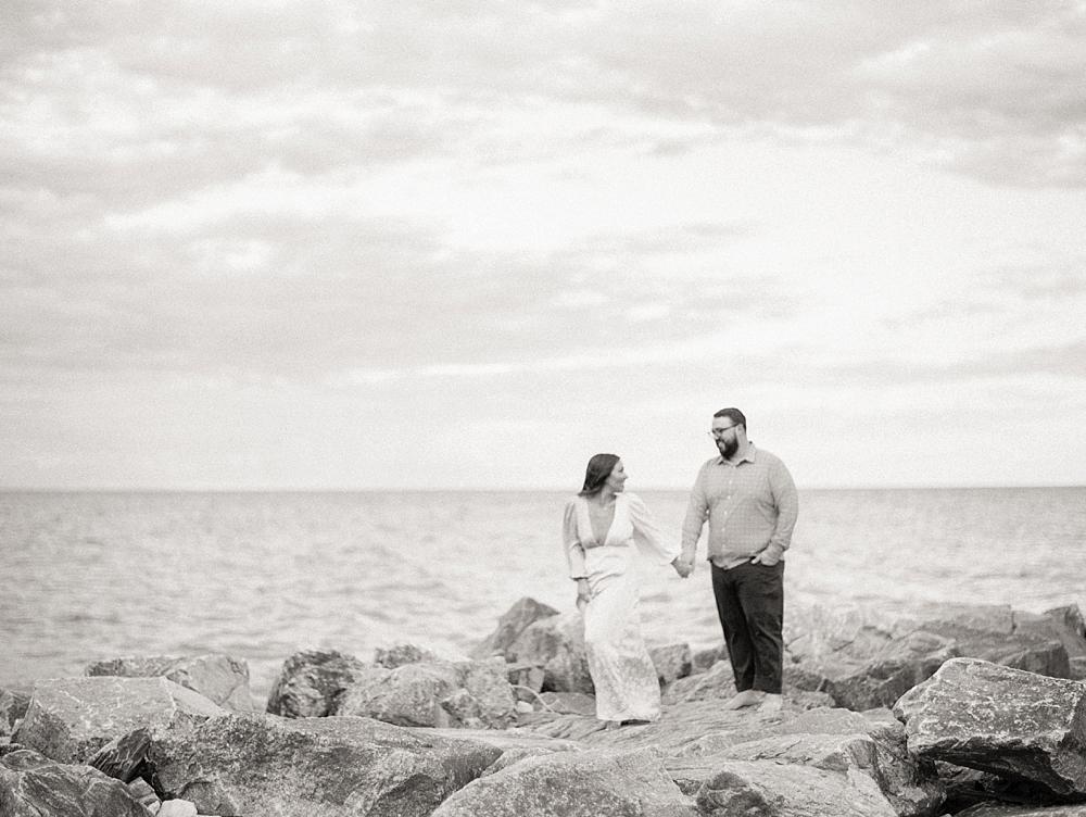 kristin-la-voie-photography-Chicago-Engagement-glencoe-beach-lake-michigan-72