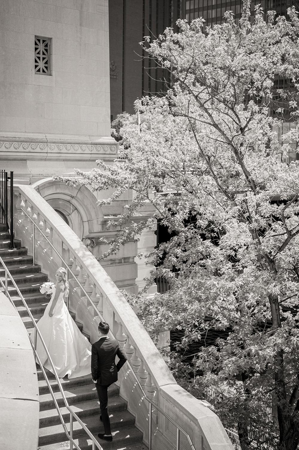 kristin-la-voie-photography-Chicago-Botanic-Garden-Wedding-8-29-21-113