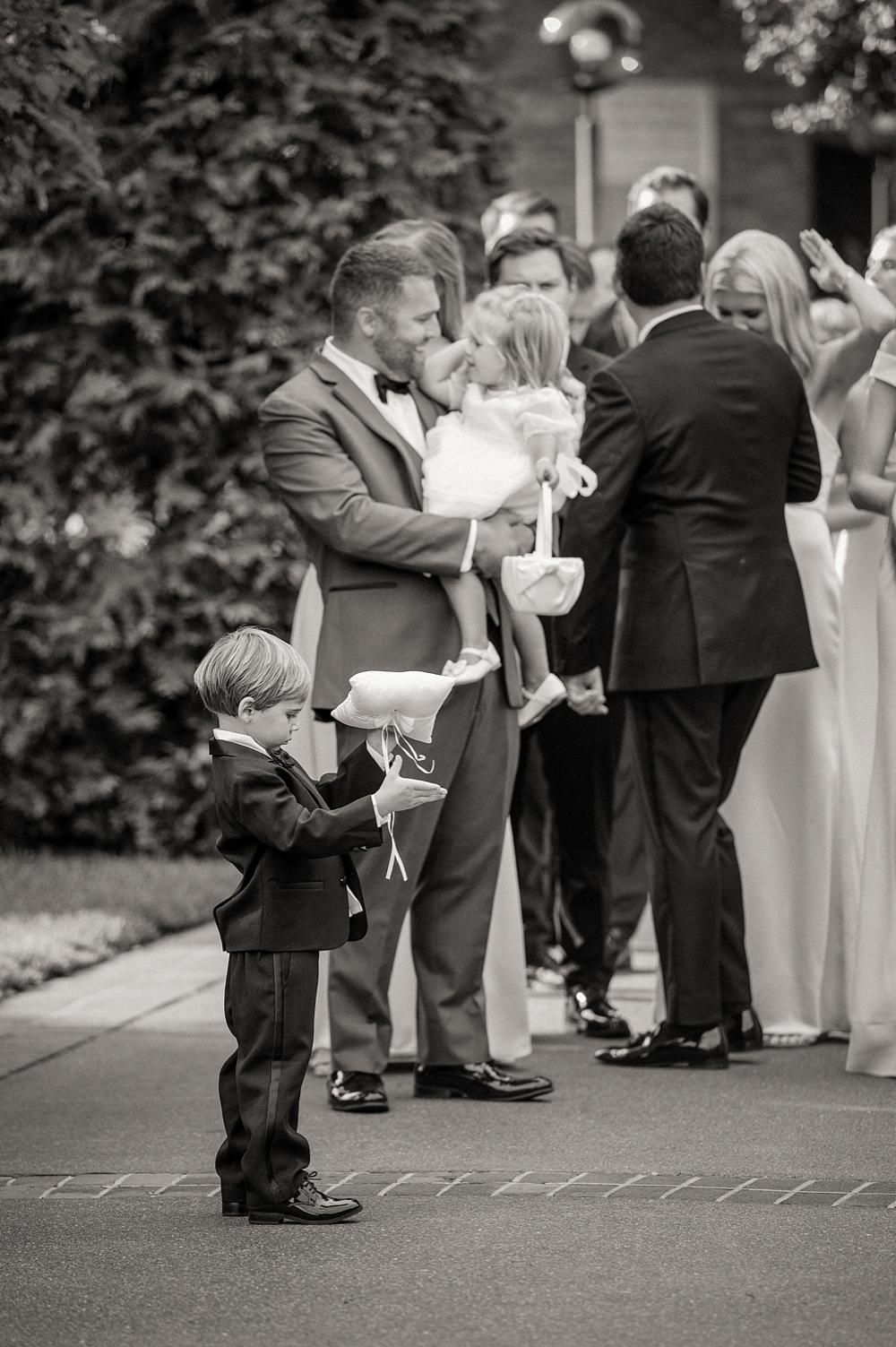kristin-la-voie-photography-Chicago-Botanic-Garden-Wedding-8-29-21-224