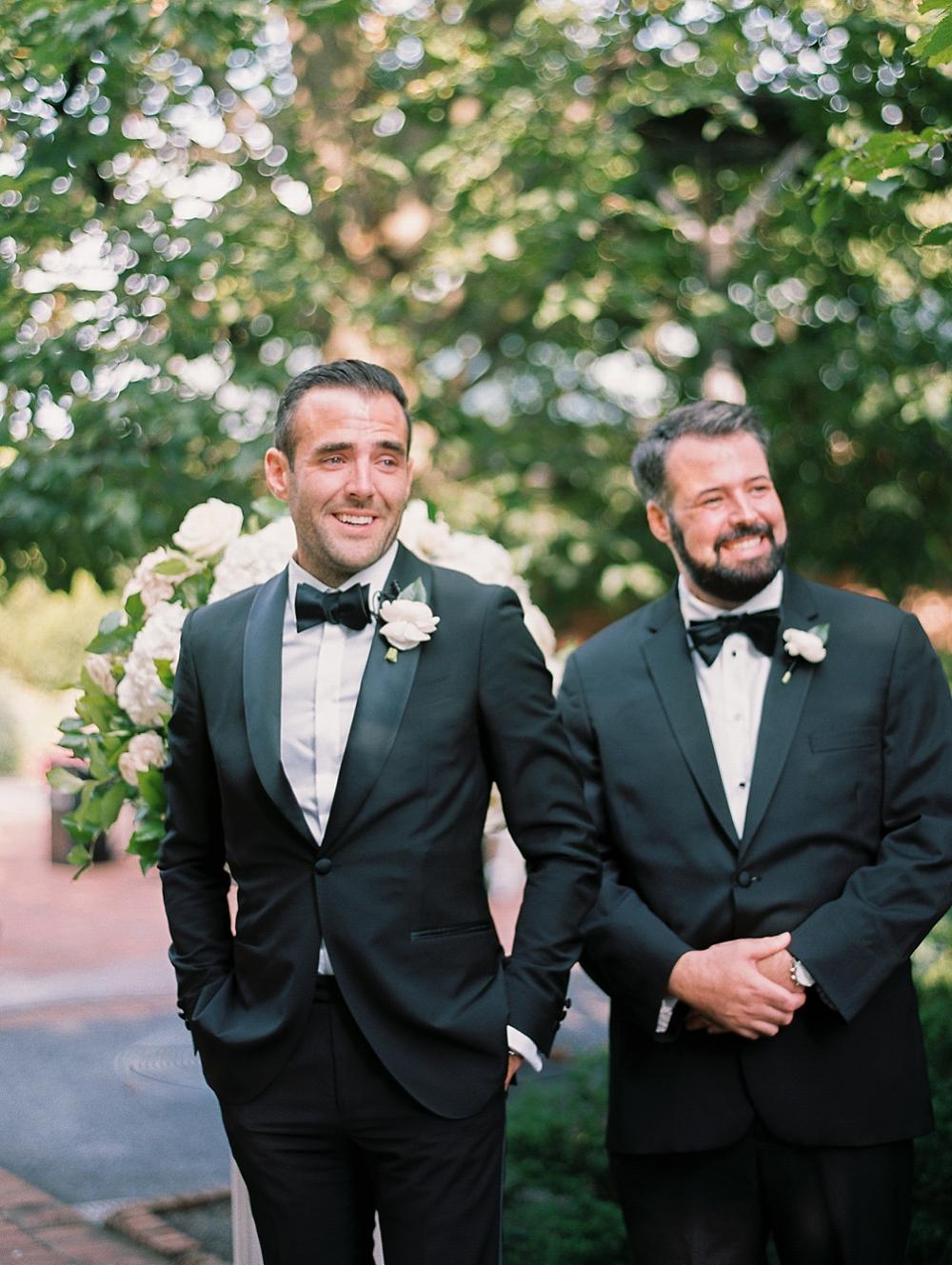 kristin-la-voie-photography-Chicago-Botanic-Garden-Wedding-8-29-21-226
