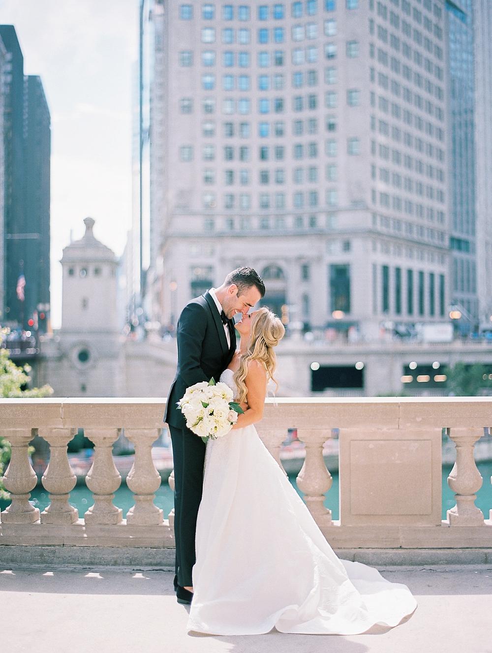 kristin-la-voie-photography-Chicago-Botanic-Garden-Wedding-8-29-21-87