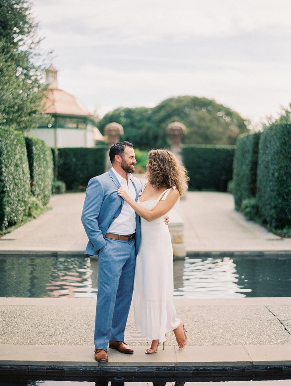 kristin-la-voie-photography-Dallas-Botanical-Garden-Arboretum-Engagement-fine-art-wedding-photographer-98